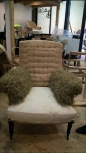 fauteuil-anglais-1-mise-en-crin-accotoirs